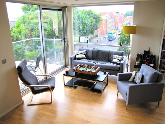 Entire flat with very large bedroom in City Centre - Dublin - Wohnung