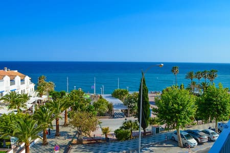 Luxury sea view apartment in the center of Nerja