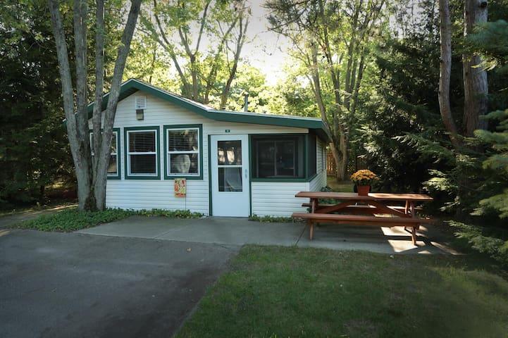 Goshorn Lake Cottage #11
