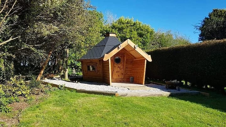 """The Holt"" Beautiful cabin nr Eden Project."