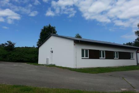 sezonní ubytovna Želiv, nová, 24lůžek, 6pokojů, - Želiv - Schlafsaal