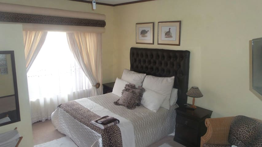 Thabitha bed and Breakfast - Akasia - Casa