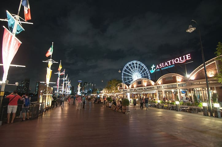 Asiatique, shopping and dining all you can do here. Only 5 minute from our place.