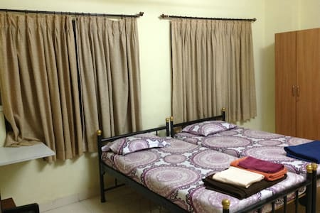 Rosy's Ganeshpuri Bed and Breakfast - Thane - Dom