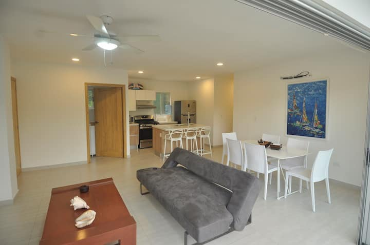 2 Bedroom Gem on the edge of town!