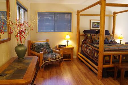 Inviting cabin in great location, hot tub, wi-fi - South Lake Tahoe - House