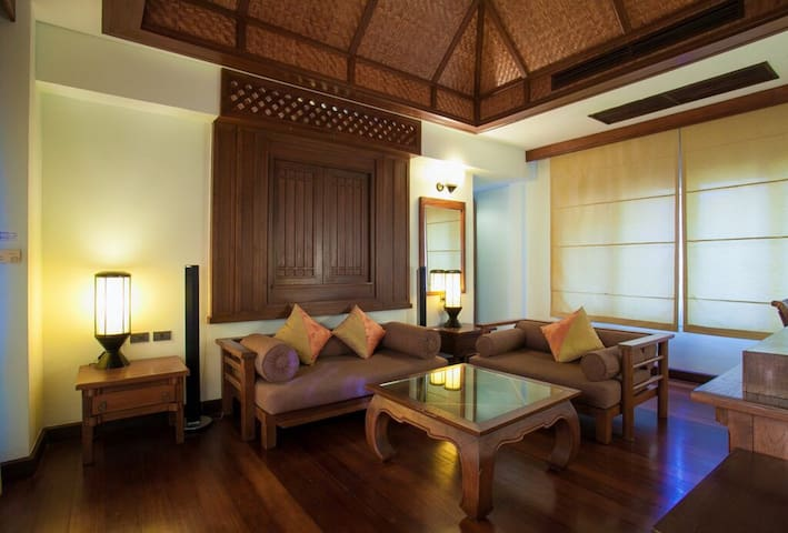 Beachfront villa with private pool in Koh Samui