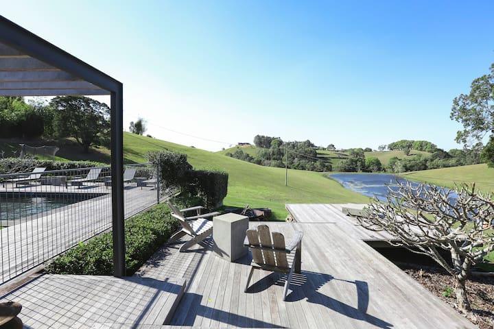 The Shed Eumundi, luxury Noosa Hinterland retreat