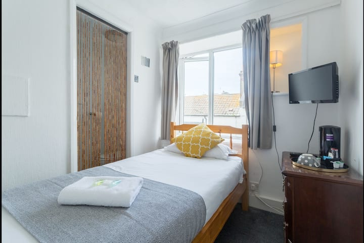 Little Private En Suite Close To Brighton Pier