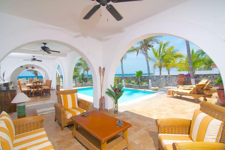 Monarc la Playa - Cuyutlán - Bed & Breakfast