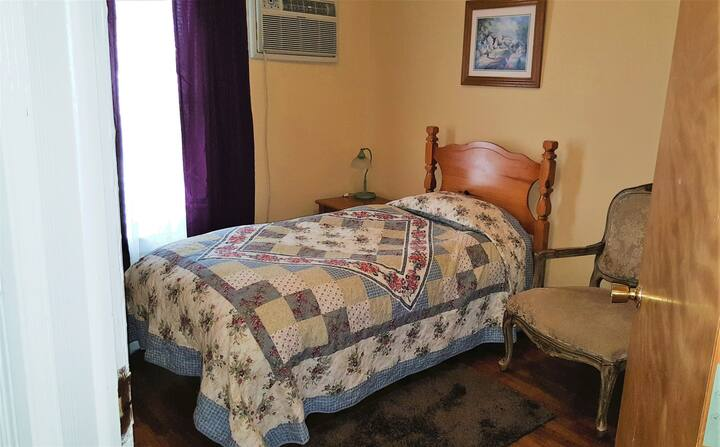 Comfort Room  Single Size Bed Two Shared Baths