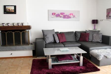 3.5-room apartment with garden - Apartemen