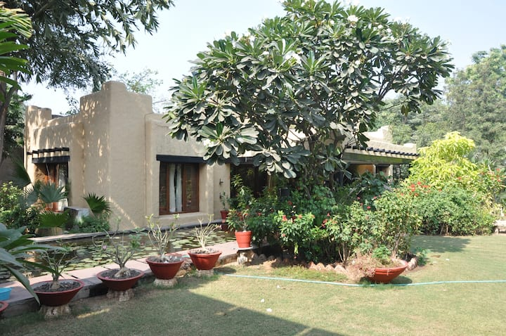 Private Villa with a 2 acre garden - Lily Pond