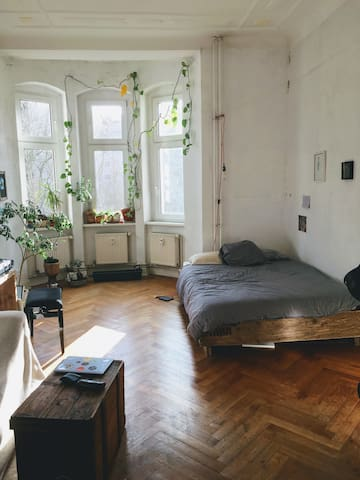 Luminous and charming rooms with balcony in Wedding-Berlin.