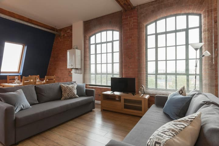Relaxation at this incredible, safe&Stunning 2Bed