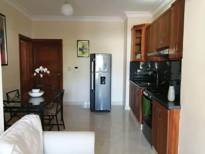 Cozy 2 bedroom apartment with jacuzzi in Costambar