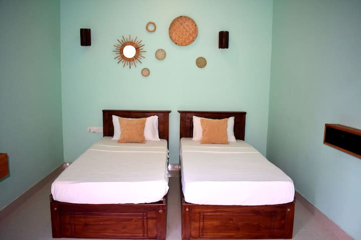 The Native - Room3: Twin Room with Fan