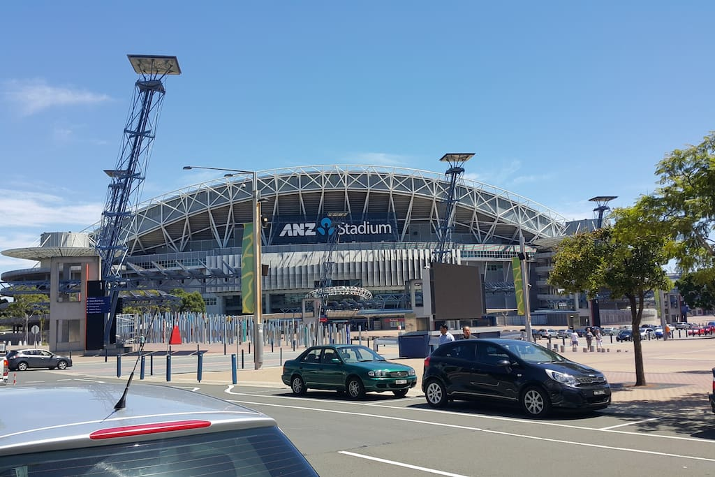 Stadium only 4 mins drive and walking 16mins