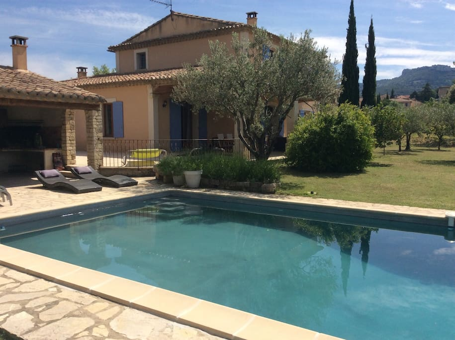 Luxevilla 12pers Prov. Juli/Aug - Houses for Rent in ...