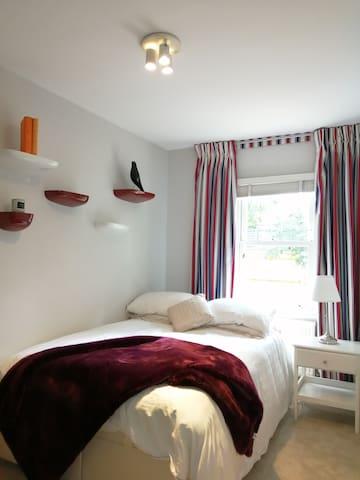 Great location, stylish modern  cosy flat!