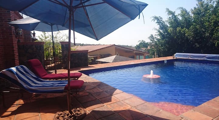 Villa Serena Tepoztlán, casa y piscina privadas.
