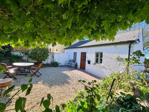 Just available Ivy Cottage in South Pembrokeshire