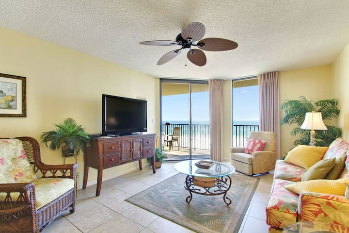 Gulf Front Living Room Area with Balcony Access
