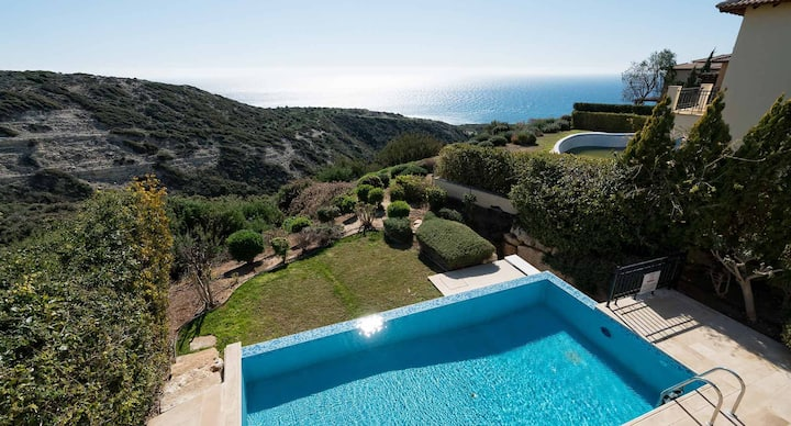 Villa Iremos with amazing sea and sunset views