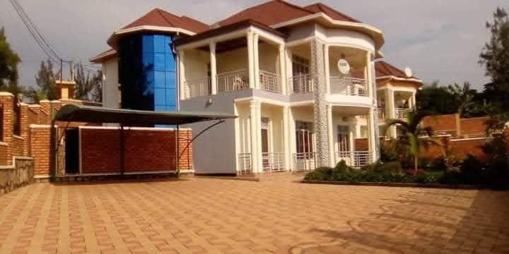 Elegant cosy townhouse Kibagabaga central Kigali.