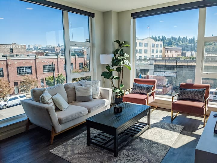 Downtown 2 bed Apartment with stunning views