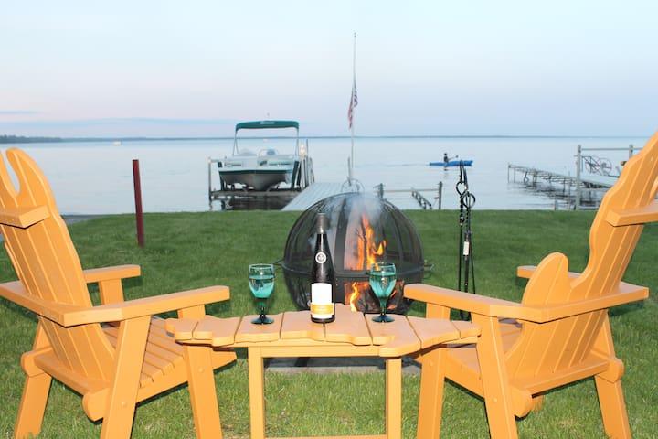 Beautiful Lakefront Home on Houghton Lake