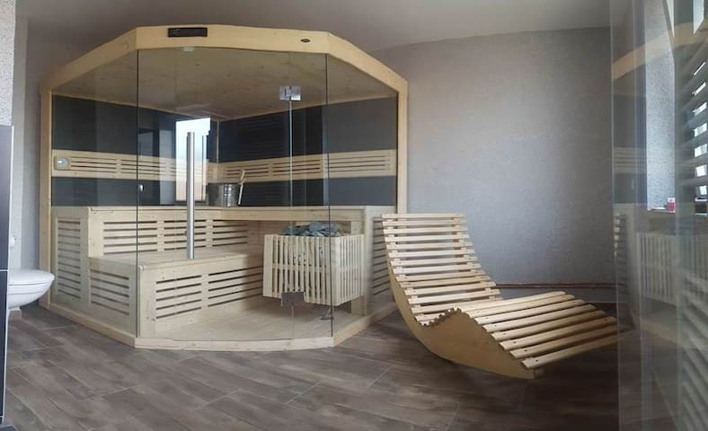 224m2 Bussiness Sauna Wellness 2 Balcony 18 guests
