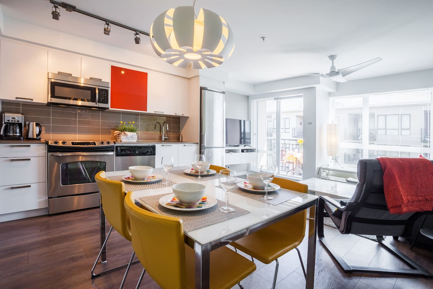 MODERN SUNNY DOWNTOWN: TrendyOldTown&Harbour - Apartments for Rent ...
