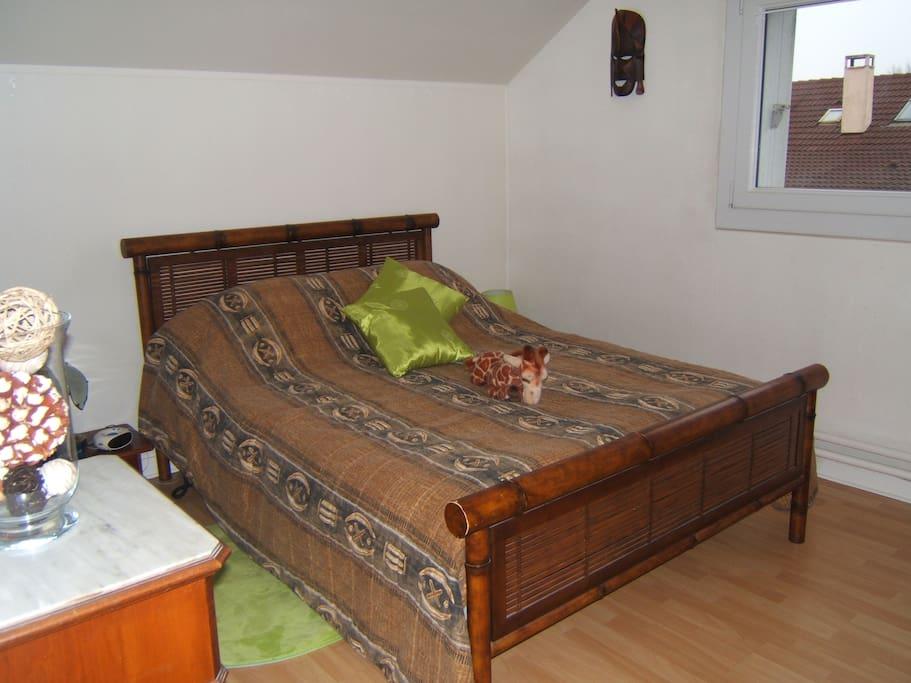 2 chambres sdb wc et salon priv s avec petit d j for Garage ad les essarts le roi