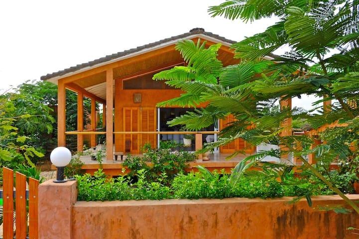 Superbe Villa, piscine, proche Somone et Océan - Guereo - Dům