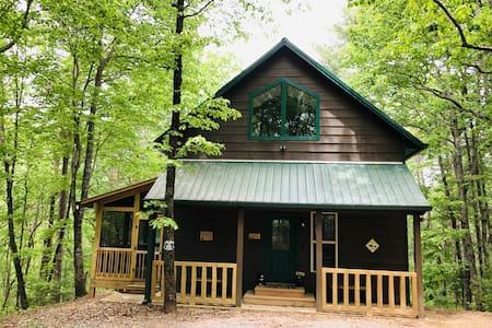 SHILOH - Beautifully Furnished Cabin - Fire Pit - WiFi