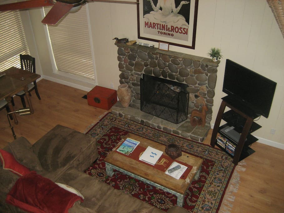 Livingroom with gas fireplace.