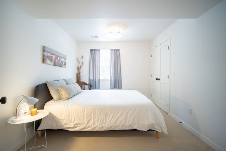 Lower Level 2nd Queen Bedroom with Memory Mattress
