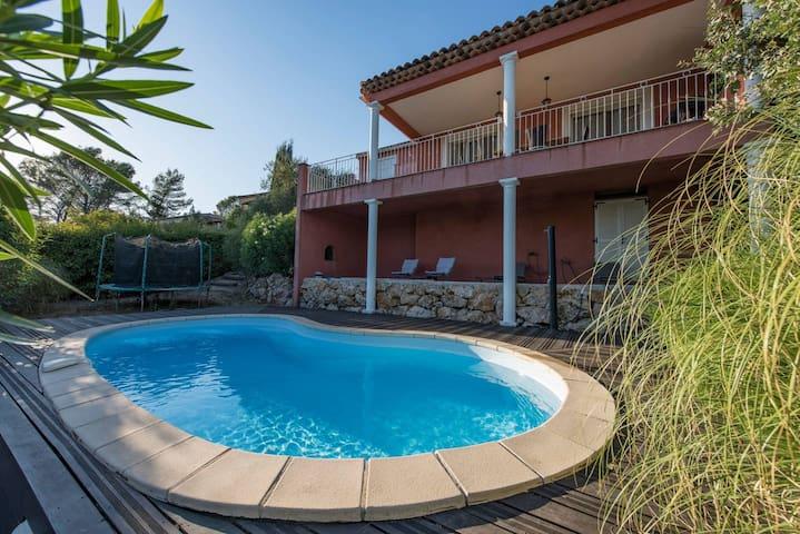 Belle maison Maria, pool view Bagnols-en-foret