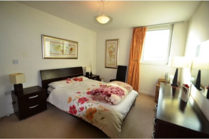 Cardiff bay 2 bedroom apartment - Cardiff - Lejlighed