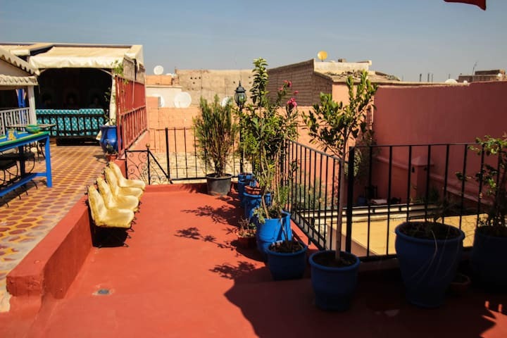 kasbah RED CASTLE hostel