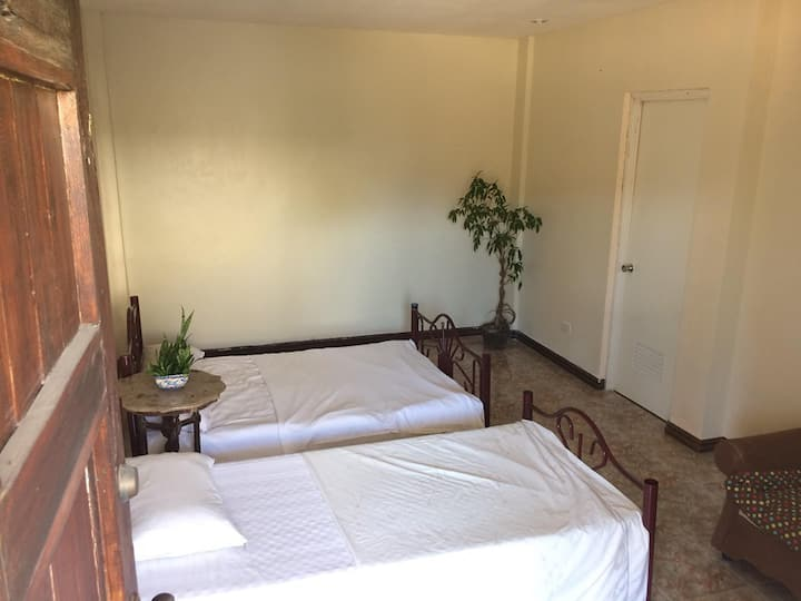 Aircon Private Room with bathroom for 4 persons