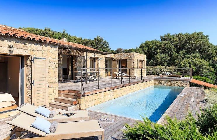 Maison desvignes piscine chauffée privée près mer