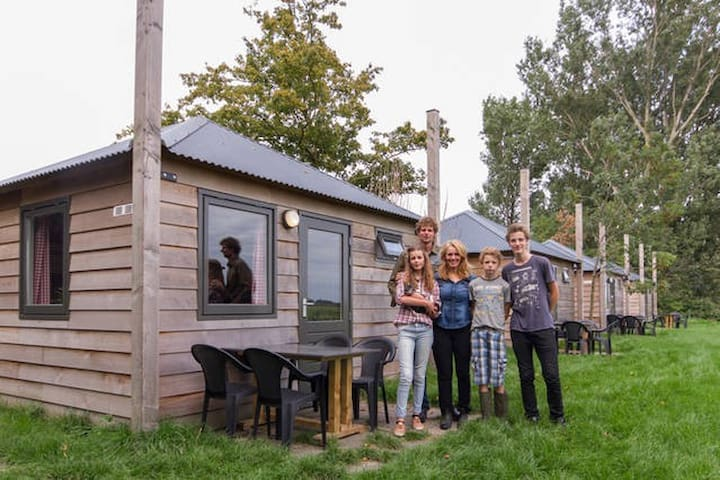 Overnachten op een unieke lokatie, met groep - Schellinkhout - House