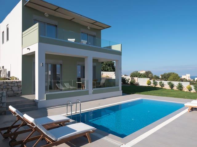 The Place to live,Katakis Villas with Private Pool - Kounoupidiana - Villa