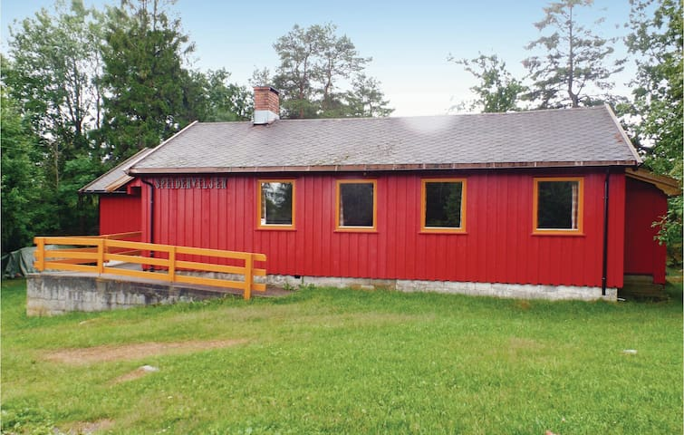 Holiday cottage with 3 bedrooms on 100 m² in Stavern