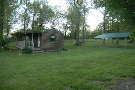 Coon Creek Cabin - A Beautiful Country Retreat - Hartville