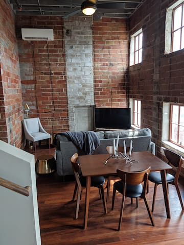 3 STORY Penthouse in Downtown Davenport