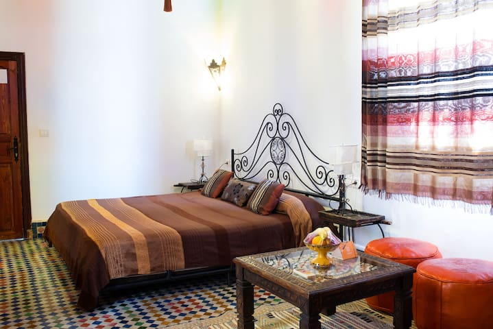 Xaima Tripe Suite Riad Tafilalet TOP Location WIFI - Fez - Apartamento