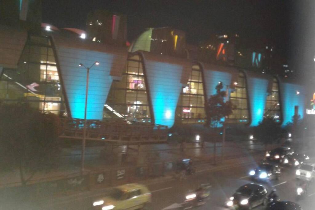 centro comercial titan